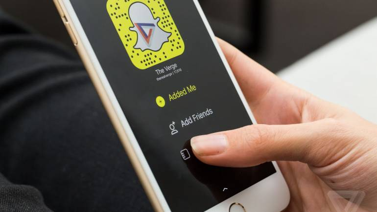 Snapchat reportedly has more daily users than Twitter. What does that mean for news?